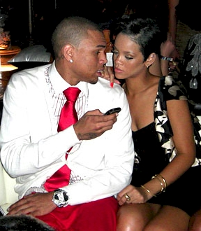 chris-brown_rihanna-kiss2